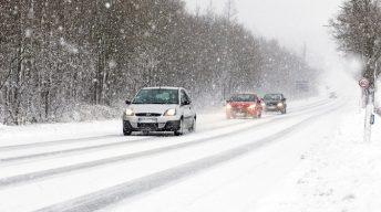 Winterliche Straßenlandschaft