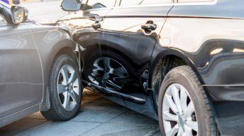 Autounfall mit zwei Autos