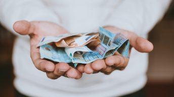 Geldscheine auf der Hand